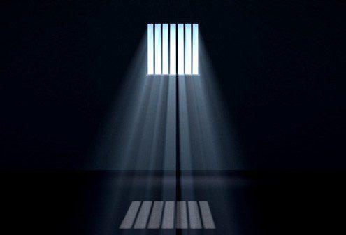 Fængselsdom ved import af designerlamper